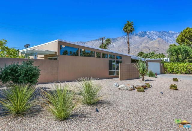 421 E Desert Holly Circle, Palm Springs, CA 92262 (MLS #19473842PS) :: Brad Schmett Real Estate Group