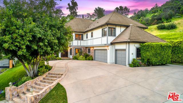 20336 Howard Court, Woodland Hills, CA 91364 (MLS #19474092) :: The John Jay Group - Bennion Deville Homes