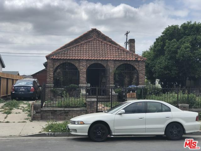 160 W 111th Place, Los Angeles (City), CA 90061 (MLS #19474330) :: The John Jay Group - Bennion Deville Homes