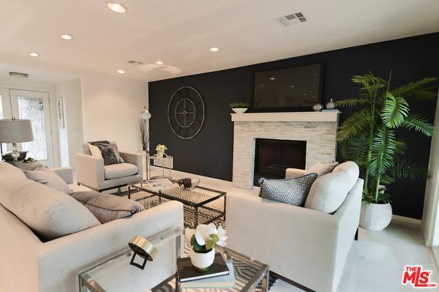 2190 N Whitewater Club Drive, Palm Springs, CA 92262 (MLS #19474960) :: Brad Schmett Real Estate Group
