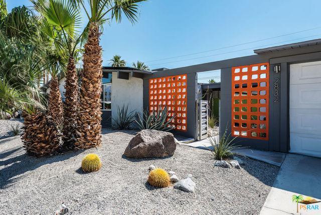 2832 N Davis Way, Palm Springs, CA 92262 (MLS #19475182PS) :: Brad Schmett Real Estate Group