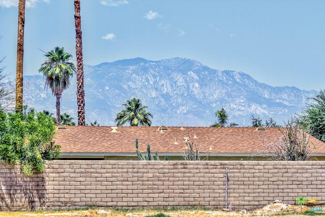 43111 Silk Tree, Palm Desert, CA 92260 (MLS #19475508PS) :: The John Jay Group - Bennion Deville Homes