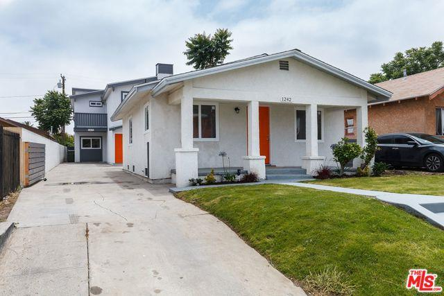 1242 W 88th Street, Los Angeles (City), CA 90044 (MLS #19475754) :: The Jelmberg Team