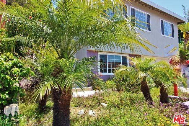 8330 Zitola Terrace, Playa Del Rey, CA 90293 (MLS #19475832) :: Bennion Deville Homes