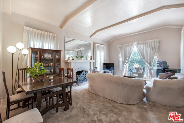1300 Carmona Avenue, Los Angeles (City), CA 90019 (MLS #19476054) :: The John Jay Group - Bennion Deville Homes