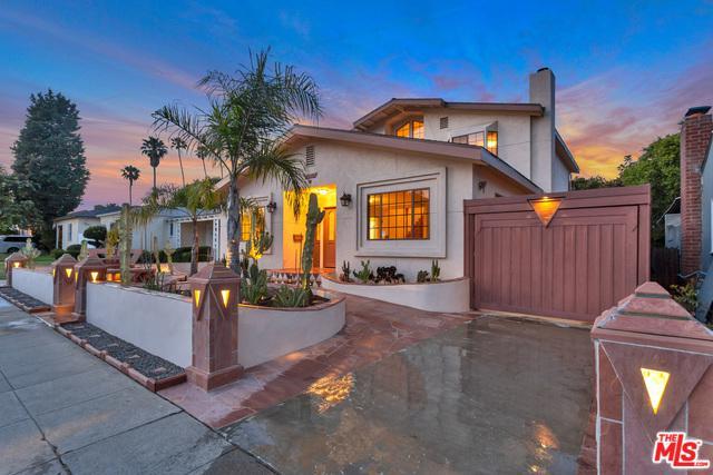2620 S Bentley Avenue, Los Angeles (City), CA 90064 (MLS #19476332) :: The John Jay Group - Bennion Deville Homes