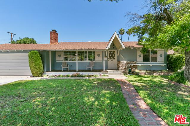 8514 Owensmouth Avenue, Canoga Park, CA 91304 (MLS #19476806) :: The John Jay Group - Bennion Deville Homes