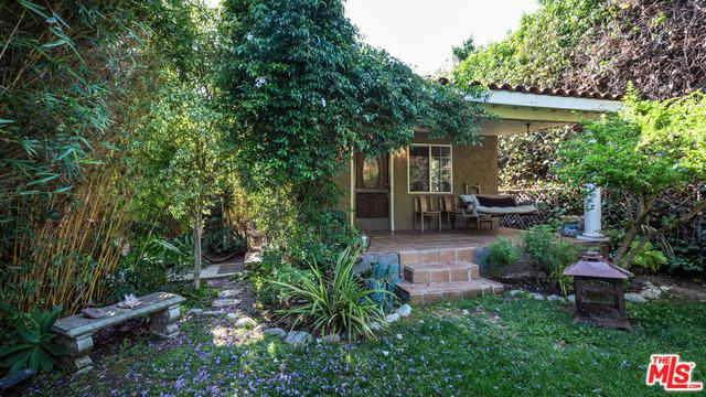 1545 S Ridgeley Drive, Los Angeles (City), CA 90019 (MLS #19476938) :: The Sandi Phillips Team