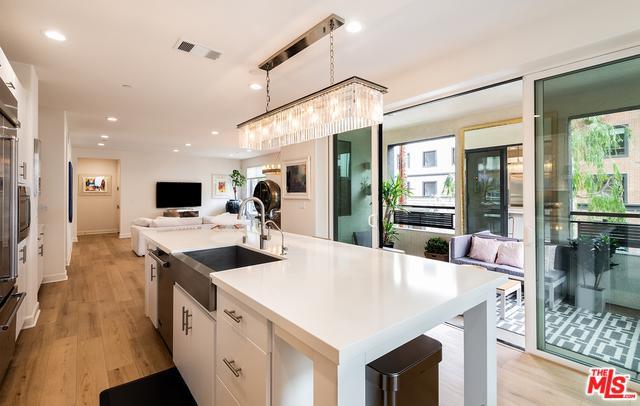 12526 W Fielding Circle #2, Playa Vista, CA 90094 (MLS #19476940) :: The John Jay Group - Bennion Deville Homes
