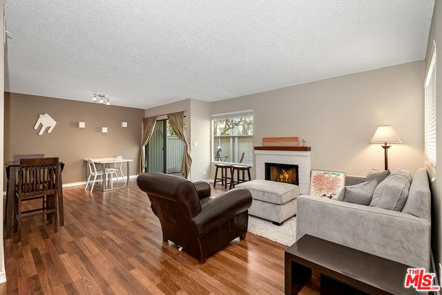 22115 Burbank #4, Woodland Hills, CA 91367 (MLS #19476982) :: The John Jay Group - Bennion Deville Homes