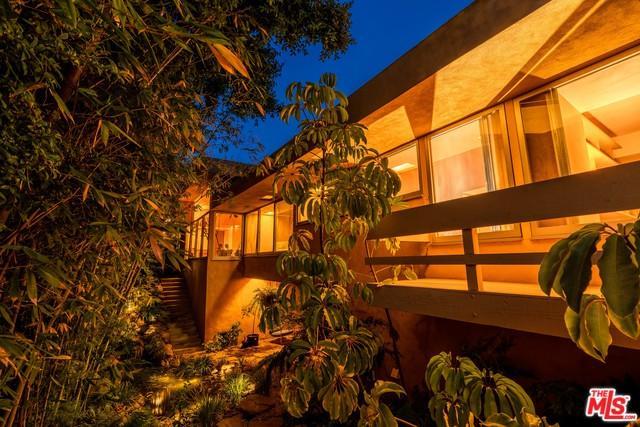 4000 Sunnyslope Avenue, Sherman Oaks, CA 91423 (MLS #19477022) :: Desert Area Homes For Sale