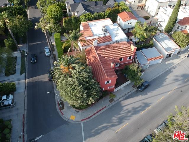 754 S Cloverdale Avenue, Los Angeles (City), CA 90036 (MLS #19477286) :: The John Jay Group - Bennion Deville Homes