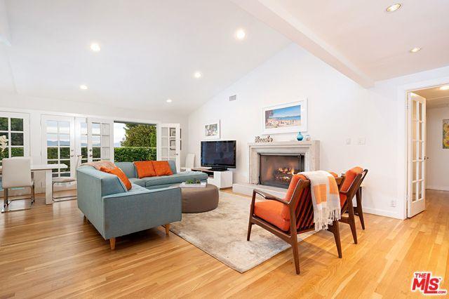 3900 Scadlock Lane, Sherman Oaks, CA 91403 (MLS #19477684) :: Desert Area Homes For Sale