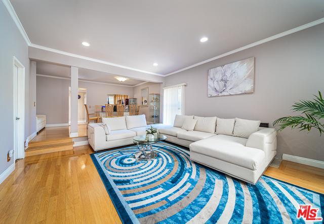 13948 Moorpark Street #1, Sherman Oaks, CA 91423 (MLS #19477744) :: Desert Area Homes For Sale