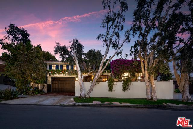 548 Dryad Road, Santa Monica, CA 90402 (MLS #19477906) :: The John Jay Group - Bennion Deville Homes