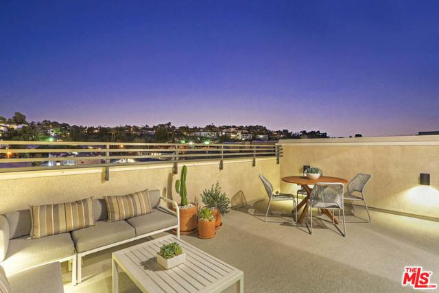 4324 N Mallow Road, Los Angeles (City), CA 90041 (MLS #19477976) :: The John Jay Group - Bennion Deville Homes