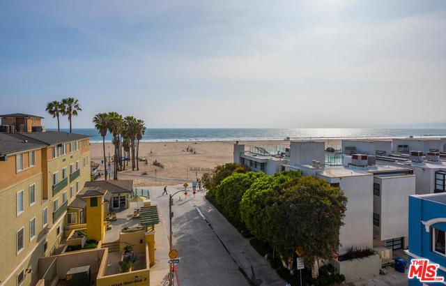 22 Navy Street #304, Venice, CA 90291 (MLS #19478202) :: The John Jay Group - Bennion Deville Homes