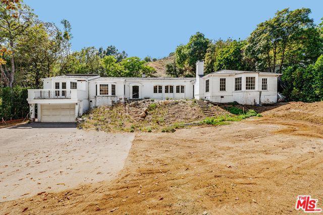 9161 Hazen Drive, Beverly Hills, CA 90210 (MLS #19478244) :: The John Jay Group - Bennion Deville Homes
