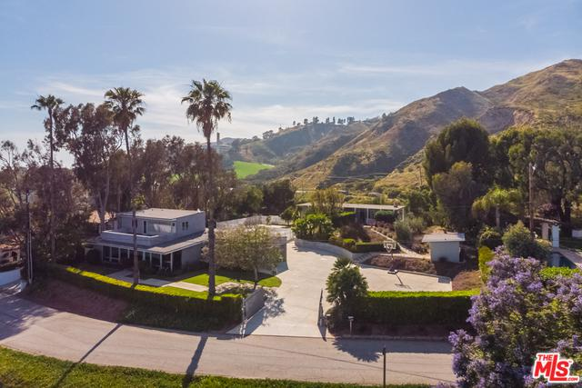 3431 Coast View Drive, Malibu, CA 90265 (MLS #19478324) :: The Jelmberg Team