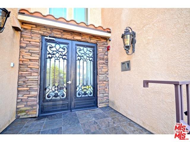 5132 Maplewood Avenue #206, Los Angeles (City), CA 90004 (MLS #19478572) :: Desert Area Homes For Sale