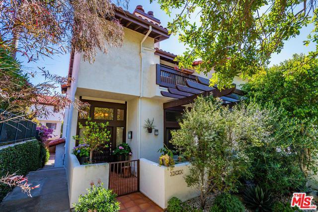 1824 Palisades Drive, Pacific Palisades, CA 90272 (MLS #19478598) :: The John Jay Group - Bennion Deville Homes