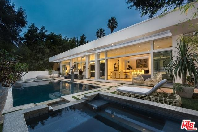 2241 Bowmont Drive, Beverly Hills, CA 90210 (MLS #19478818) :: Desert Area Homes For Sale