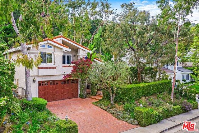 16573 Via Floresta, Pacific Palisades, CA 90272 (MLS #19479054) :: Desert Area Homes For Sale