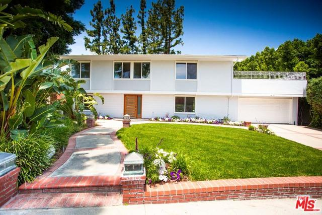 24261 Hatteras Street, Woodland Hills, CA 91367 (MLS #19479120) :: The Jelmberg Team