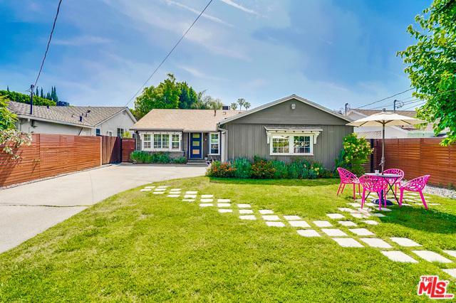 5516 Rhodes Avenue, Valley Village, CA 91607 (MLS #19479172) :: Deirdre Coit and Associates