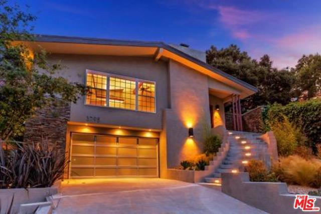 3795 Fredonia Drive, Los Angeles (City), CA 90068 (MLS #19480028) :: The John Jay Group - Bennion Deville Homes