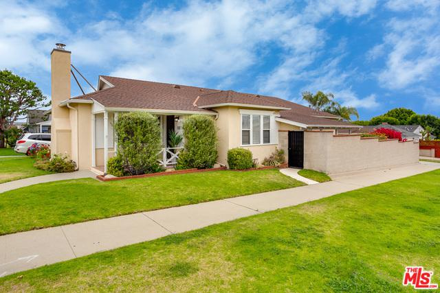8136 Holy Cross Place, Los Angeles (City), CA 90045 (MLS #19480106) :: The John Jay Group - Bennion Deville Homes