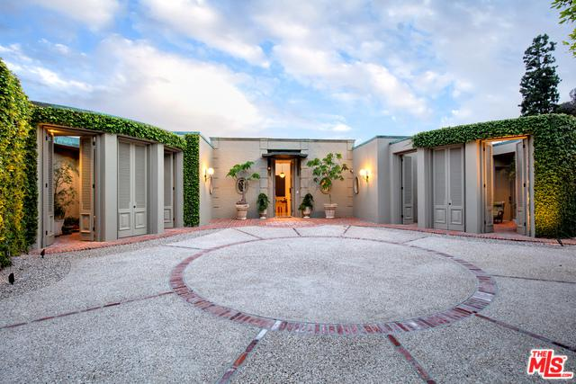 1110 Maytor Place, Beverly Hills, CA 90210 (MLS #19480274) :: The John Jay Group - Bennion Deville Homes