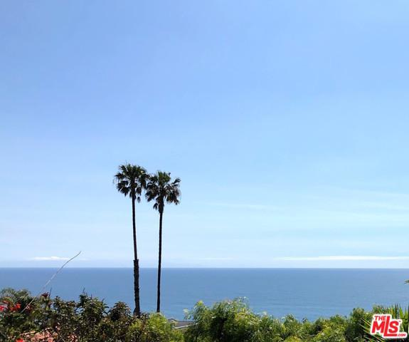 20494 Royal Stone Drive, Malibu, CA 90265 (MLS #19480356) :: The Jelmberg Team