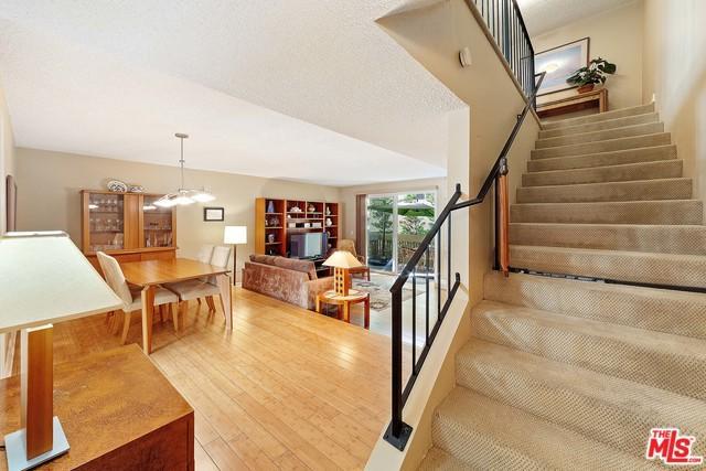 627 Strand Street #3, Santa Monica, CA 90405 (MLS #19480376) :: The John Jay Group - Bennion Deville Homes