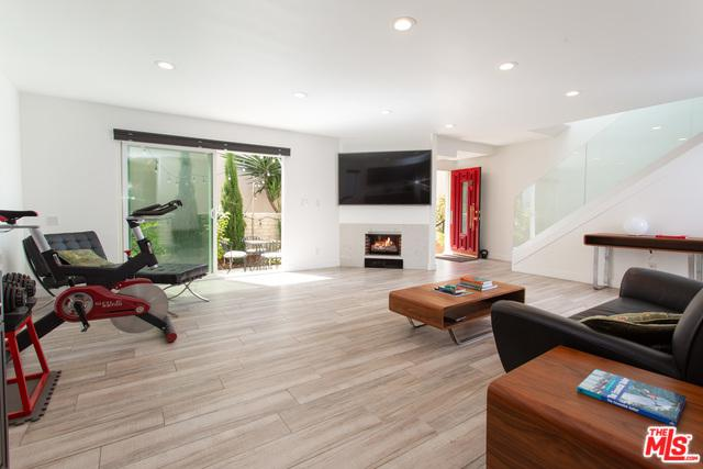 4730 La Villa Marina L, Marina Del Rey, CA 90292 (MLS #19480438) :: The John Jay Group - Bennion Deville Homes