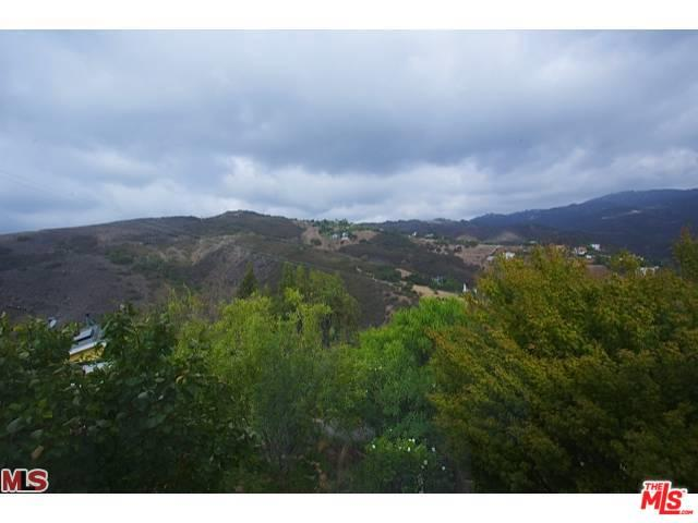4350 Hillview Drive, Malibu, CA 90265 (MLS #19480968) :: The Jelmberg Team