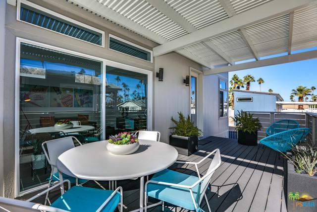 706 Maui Drive, Palm Springs, CA 92264 (MLS #19481368PS) :: Brad Schmett Real Estate Group