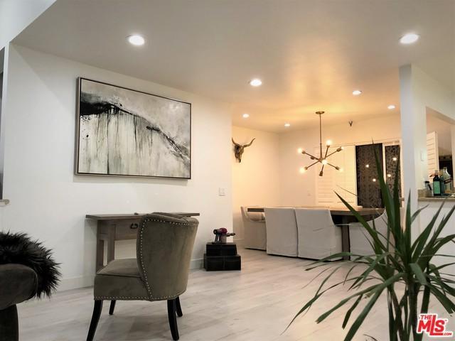 4746 Oakwood Avenue #2, Los Angeles (City), CA 90004 (MLS #19481384) :: The John Jay Group - Bennion Deville Homes
