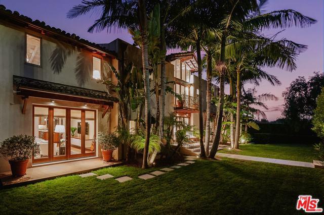 844 Berkeley Street, Santa Monica, CA 90403 (MLS #19481488) :: The John Jay Group - Bennion Deville Homes