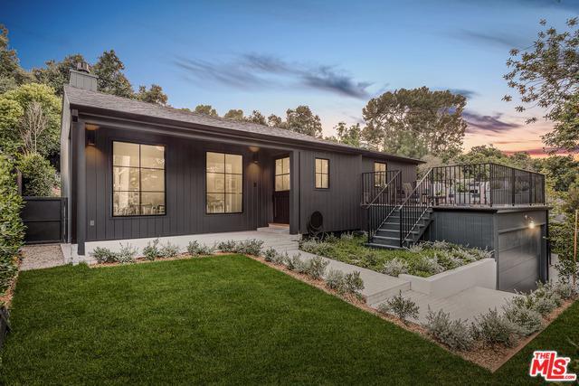 12170 Laurel Terrace Drive, Studio City, CA 91604 (MLS #19482004) :: The John Jay Group - Bennion Deville Homes