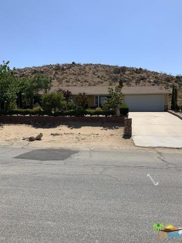 16854 Mackennas Gold Avenue, Lake Los Angeles, CA 93591 (MLS #19484928PS) :: Deirdre Coit and Associates