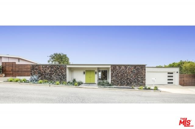 10462 Ormond Street, Sunland, CA 91040 (MLS #19486476) :: The Sandi Phillips Team