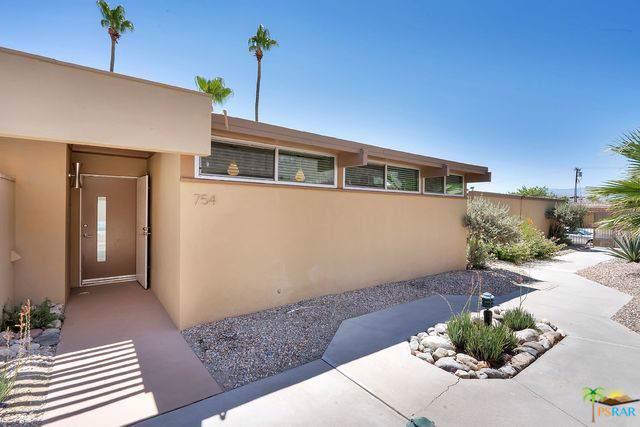 754 E Vista Chino, Palm Springs, CA 92262 (MLS #19489116PS) :: The Jelmberg Team