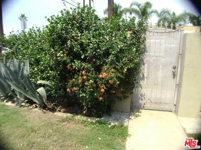 14436 Emelita Street A, Sherman Oaks, CA 91401 (MLS #19489570) :: Bennion Deville Homes