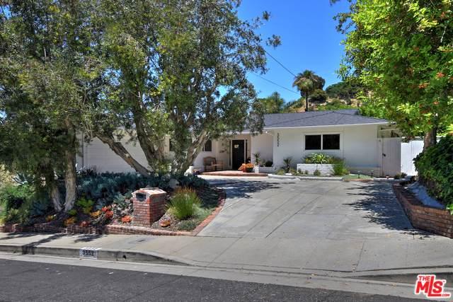 3552 Stonewood Drive, Sherman Oaks, CA 91403 (MLS #19490858) :: The Sandi Phillips Team