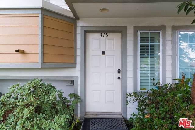 11150 Glenoaks #315, Pacoima, CA 91331 (MLS #19493558) :: The John Jay Group - Bennion Deville Homes