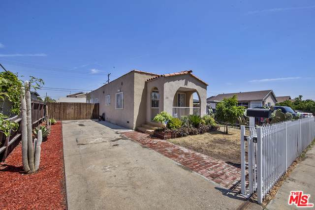 231 E 109th Street, Los Angeles (City), CA 90061 (MLS #19496284) :: Hacienda Group Inc