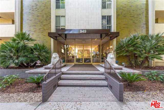 949 N Kings Road #208, West Hollywood, CA 90069 (MLS #19497036) :: The John Jay Group - Bennion Deville Homes