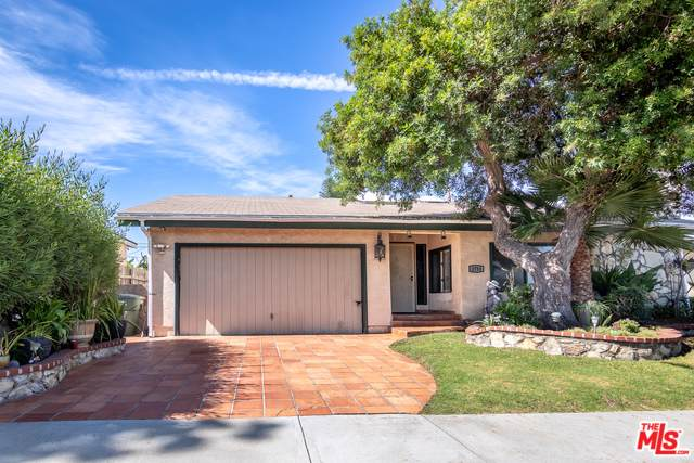 1731 247th Place, Lomita, CA 90717 (MLS #19497816) :: Hacienda Group Inc