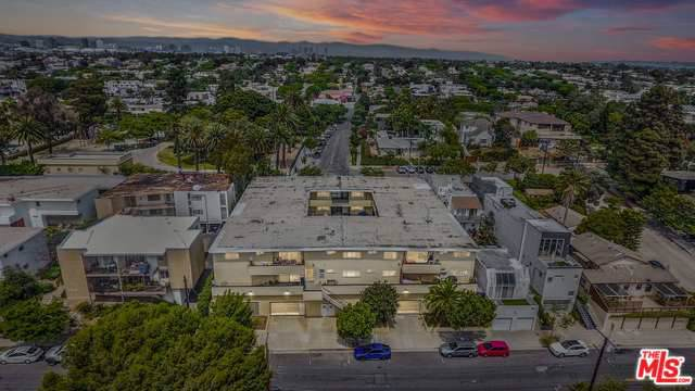 2400 Beverley Avenue, Santa Monica, CA 90405 (MLS #19498574) :: The John Jay Group - Bennion Deville Homes